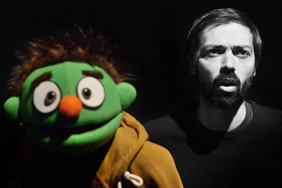 Diogo Valsassina e boneco musical