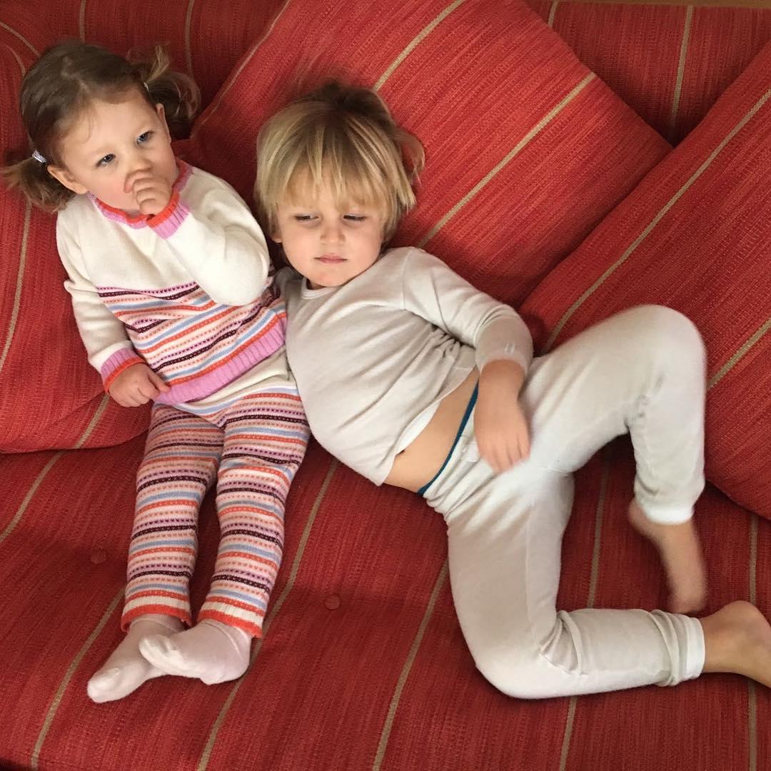 India e Sacha, filhos de Tatiana Santo Domingo e Andrea Casiraghi, como modelos