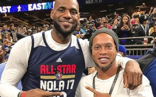 LeBron James e Ronaldinho Gaúcho NBA All-Star capa