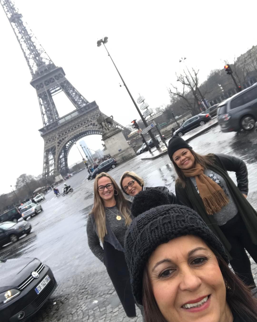 Mãe de Neymar e amigas Paris