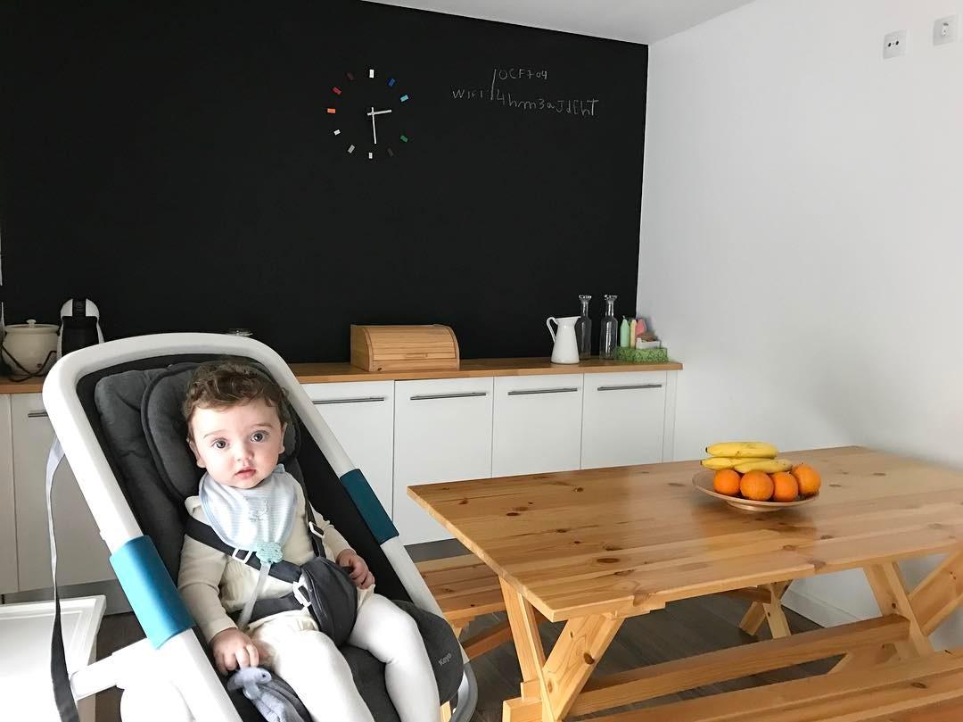 Santiago, filho de Carolina Deslandes na casa nova