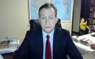 Crianças interrompem entrevista em direto do pai à BBC