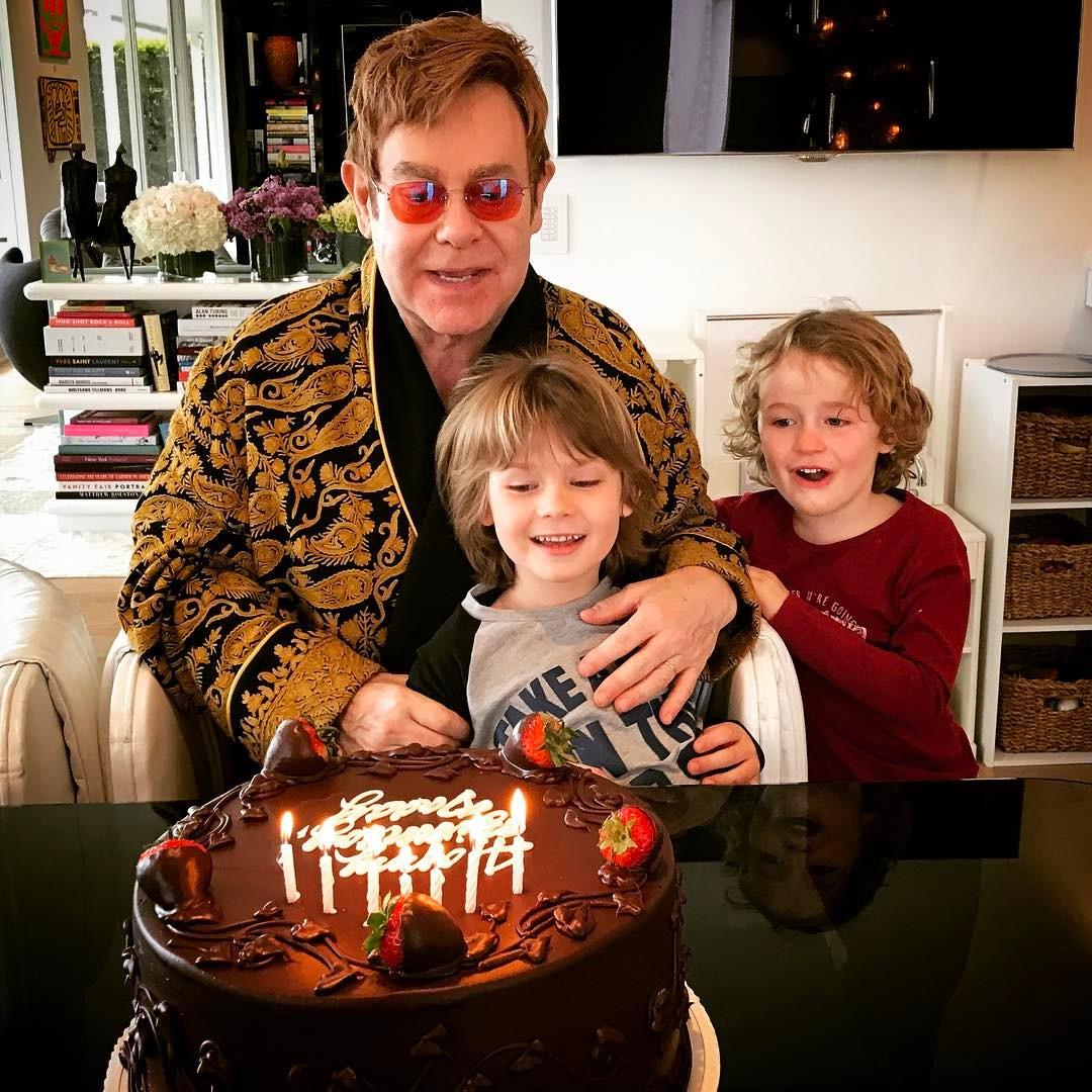Elton John e filhos