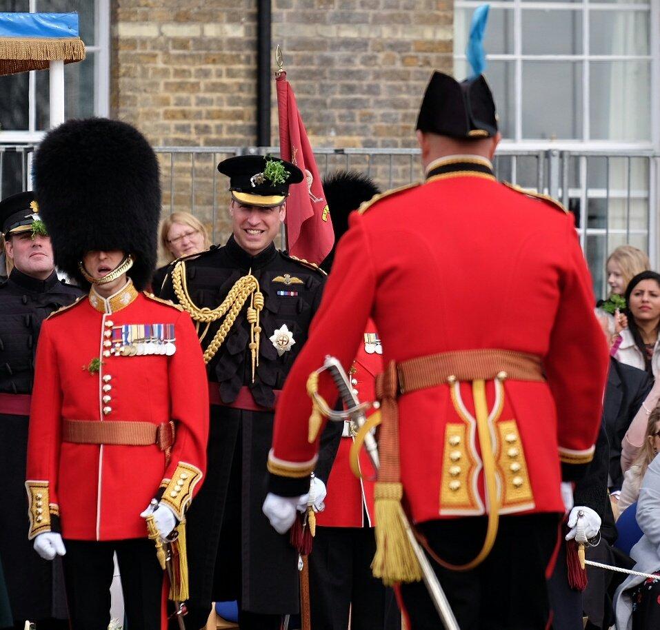 Vídeo mostra Príncipe William dançando em balada