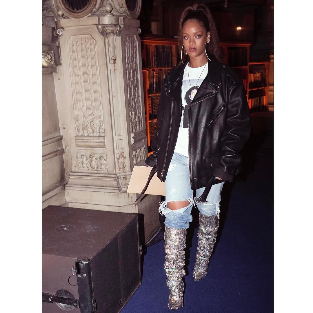 Rihanna_YSL