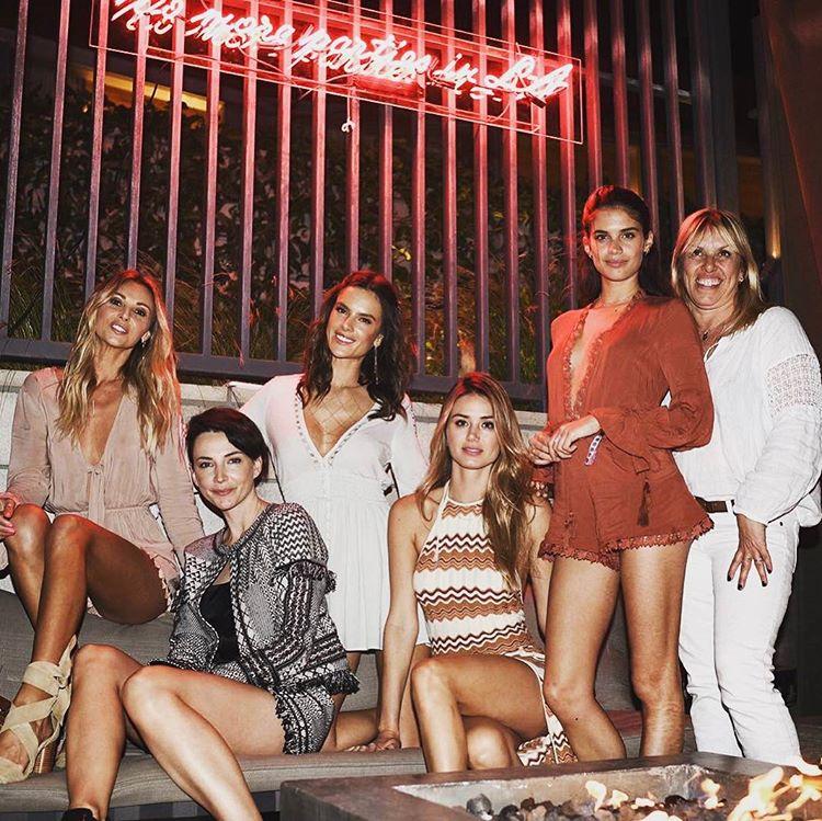 Sara Sampaio diverte-se no Festival de Coachella