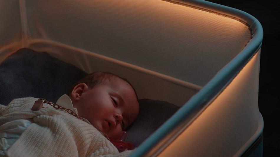 Berço simula movimentos do carro para fazer bebê dormir