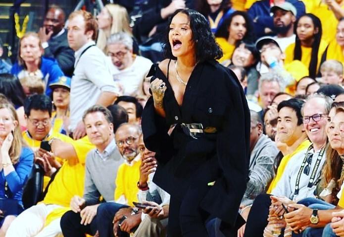 Warriors passam fácil pelos Cavaliers e abrem vantagem nas finais da NBA