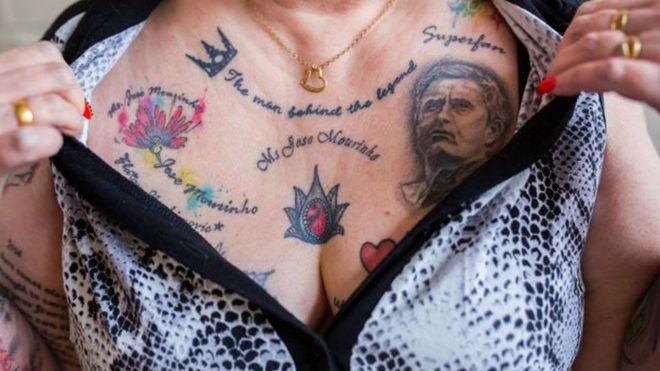 Isso é que é paixão: inglesa coleciona tatuagens do técnico José Mourinho