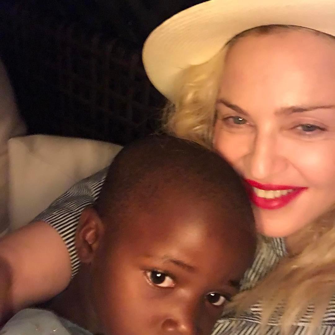 É hoje! Madonna inaugura unidade de saúde pediátrica no Malawi