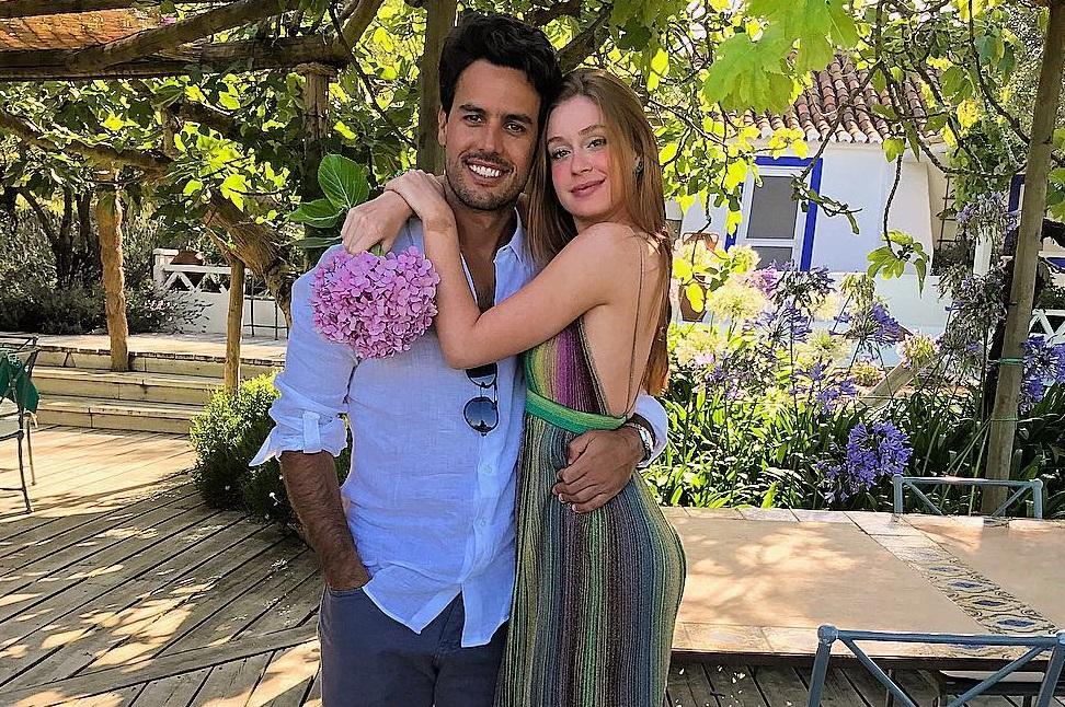 Marina Ruy Barbosa curte aniversário com noivo em Portugal: