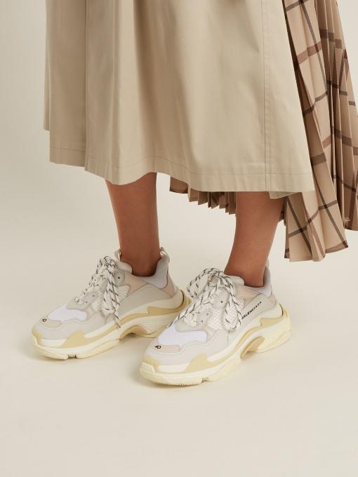 be343dd6a55 Acima dos 495 euros são as sapatilhas Eclypse de Stella McCartney. São  feitas de camurça