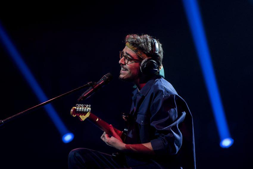 Salvador Sobral canta tema finalista do Festival da Canção