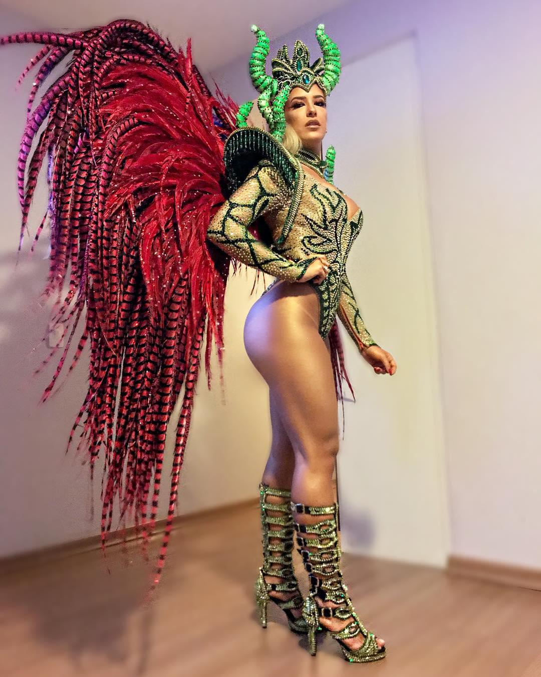 Confira as Musas campeãs do Carnaval no Rio   Famosos & TV